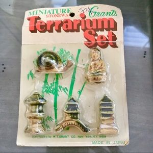 Vintage Pre 1976 Miniature Terrarium Asian Set